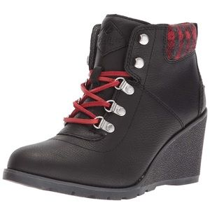 Sperry red black buffalo plaid wedge booties 9.5